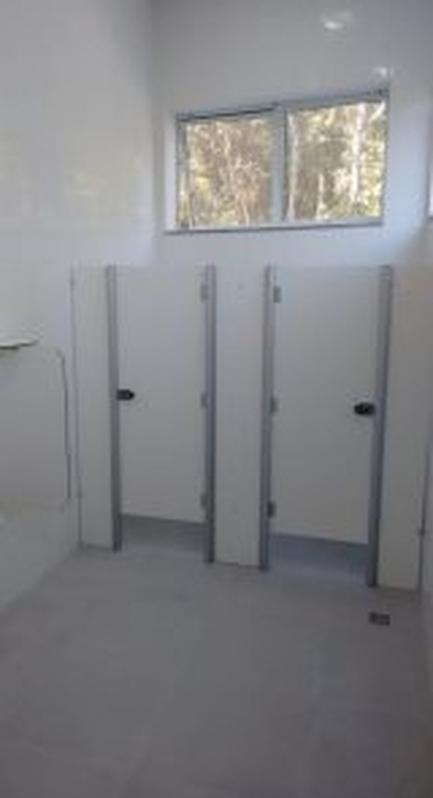 Divisórias para Banheiros Comerciais Salto de Pirapora - Divisória para Banheiro